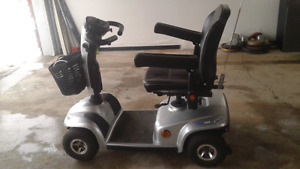 Leo scooter in great shape. Trade. Or $1500.