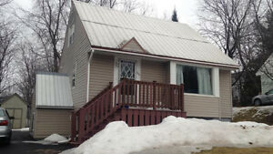 3 BEDROOM HOUSE FOR RENT $475 per month, 2 min from universities