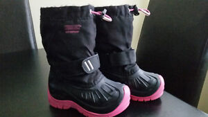 Girls Sz 9 Kodiak Winter Boots