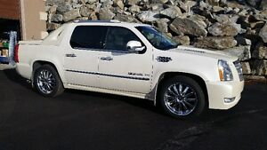 CADILLAC ESCALADE EXT FACTORY SLP PERFORMANCE PKG. KELOWNA