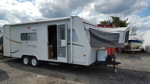 2001 kikw 23 foot hybrid with slide out