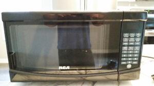 Microwave RCA RMW733