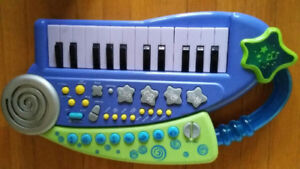 toys wee piano