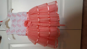 2T Beautiful Dress $20.00