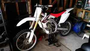 05 CRF450R  Windsor Region Ontario image 2