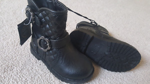 New boots size 7 toddler girl