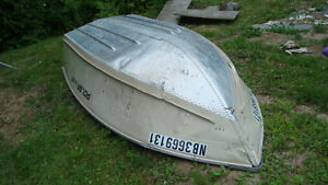 14 foot polar craft 1470 aluminum boat. very rough water stable.