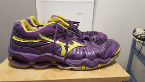 Size 13 Mizuno wave tornado seven volleyball shoes