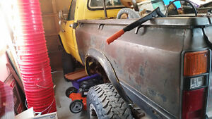 1980 Toyota Hilux 4x4 Pickup Truck Stratford Kitchener Area image 2