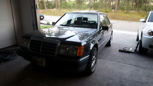 1990 Mercedes-Benz 300e Fully loaded