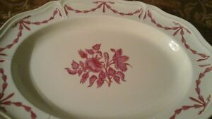 PORCELAIN PLATTER - WEDGWOOD -QUEENS SHAPE - WILLIAMSBURG  HUSK,