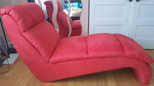 Microsuede Lounge chair in mint condition