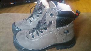Dakota women's composite work boots.