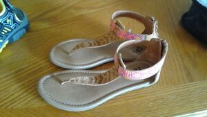 justice sandals size 3
