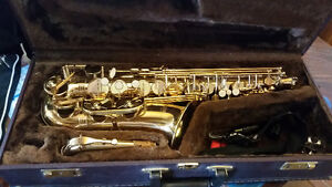 saxophone made by alpine woodwinds inc
