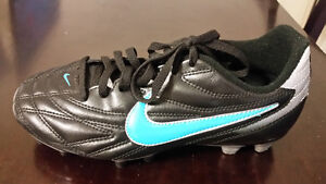 Nike Premier III Firm Ground Soccer Cleats US 6 Brand New