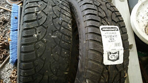 215/60 R17 Snow Tire Jeep Compass Kingston Kingston Area image 2
