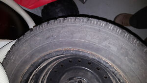 V.Good condition Goodyear winter tire 195/65R15 Belleville Belleville Area image 2