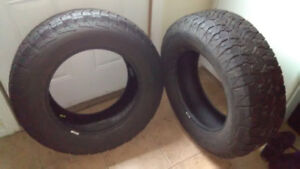 Jeep tires very good tread 255 70 r 18 set of two