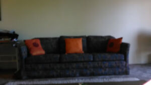 Blue vintage couch in good condition