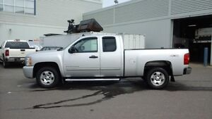 2010 Chevrolet Silverado 1500 LT   - OnStar -  Power Windows - $