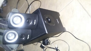 Speakers with subwoofer great sound great shape!