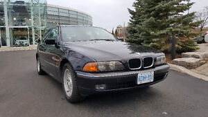 1999 BMW 5-Series 528i with Premium package