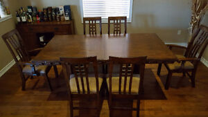 7 PC. TRADITIONAL DINING TABLE and 6 CHAIRS