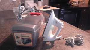 Braun Optiglide-Jet Iron with Hard Plastic Carrying Case!  Movin