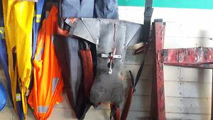 Husqvarna hydraulic pole saw 500 or best offer Cornwall Ontario image 1