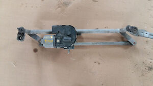 A4,moteur essuie glace et transmission. wiper motor and linkage
