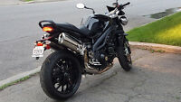 Triumph Speed Triple 2010, excellent état, très bien entretenue