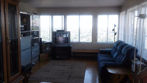 Grand appartement a partager, 23e étage/apartment to share 23 fl