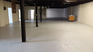 WAREHOUSE/MULTI USE SPACE CLOSE TO HWY AND DOWNTOWN CORE