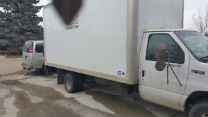 1999 Ford E 450 v8 diesel power storke 2 ton with tail gate lift