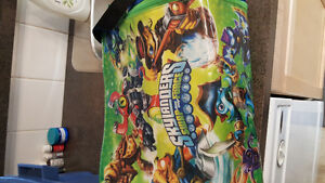 Skylanders bag filled with skylanders