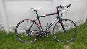 Vélo de route Jamis 2011