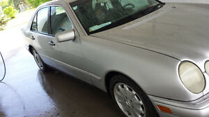 1997- MERCEDES BENZ E-320 SEDAN FOR SALE: $4,000.00 Kingston Kingston Area image 6