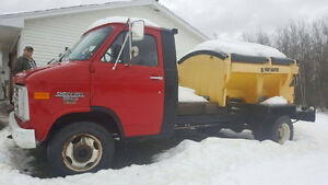 1986 Chevrolet Flatbed with 1.8 yard Poly-Caster Salter