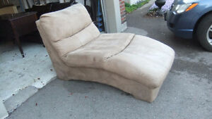 microfiber chaise lounger in great cond