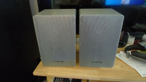 Realistic Silver Bookshelf Speakers Minimus-12 Made in Japan .