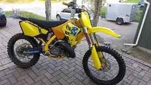 2002 rm 250 and complete parts bike