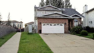 Unique, huge house but low price, great location in Miilwoods