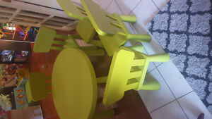 Kids ikea table with 5 chairs