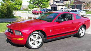 2008 Ford Mustang V6 Pony Package Coupe (2 door)