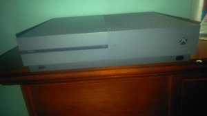 Xbox one 500 gb for trade