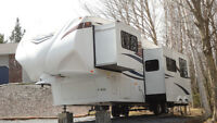 37' Coachmen Chaparral 5th wheel trailer with bunks