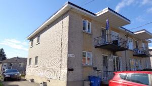 Grand 4 plex en bonne condition West Island Greater Montréal image 2