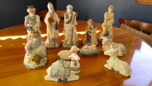 Large nativity scene. Crèche.