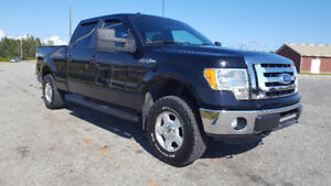 2011 Ford F-150 SuperCrew 5.0L v8 low kms ready for winter!!!!